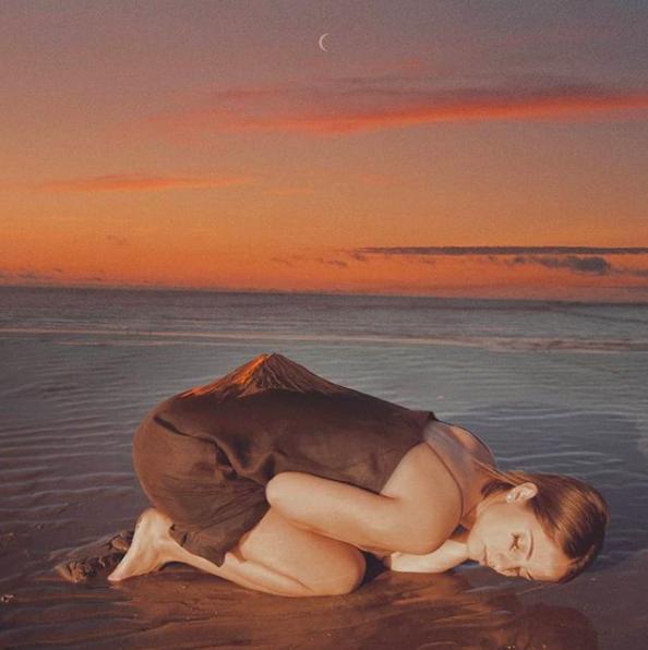 mujer soledad relacines tóxicas dependencia adicción